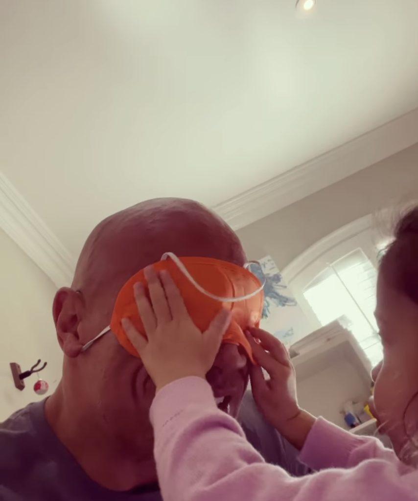 'ดเวย์น จอห์นสัน กับลูกสาว'