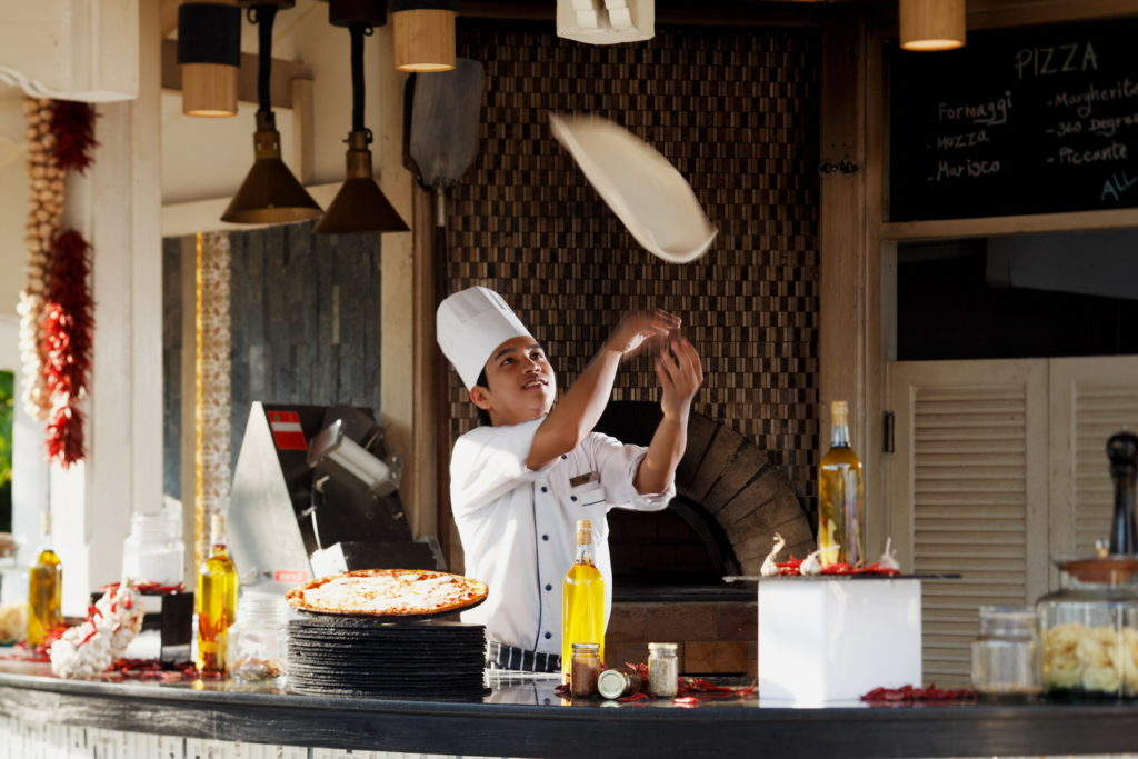 ห้องอาหารโรงแรม Delivery COAST Beach Bar & Bistro Hua Hin โรงแรมเซ็นทาราแกรนด์บีชรีสอร์ทและวิลลา หัวหิน